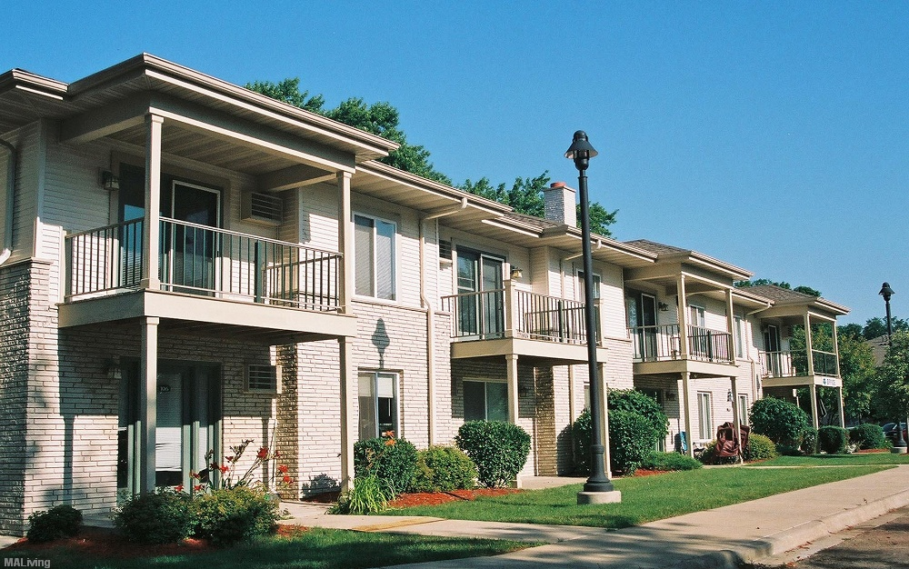 The New Monona Shores Madison Wi Apt Madison Apartment Living