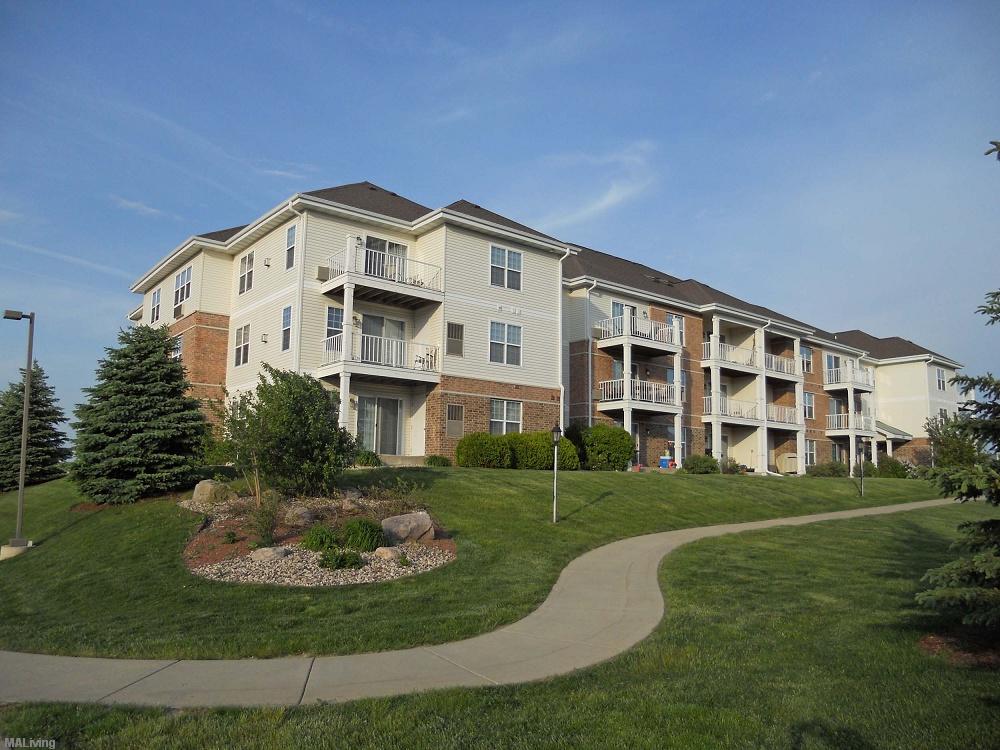 Blackhawk Trails Madison Wi Apt Madison Apartment Living