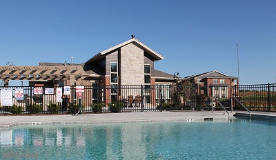 Paragon Place at Bear Claw Way - Sparkling Swimming Pool