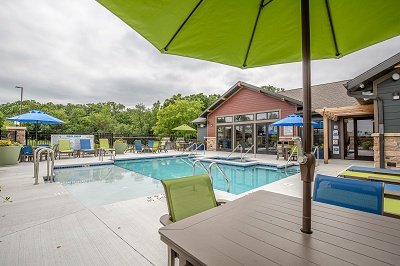 Hidden Creek Residences - Sparkling Swimming Pool