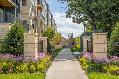 Hidden Creek Residences - Beautiful Back Yard Garden and Walkway