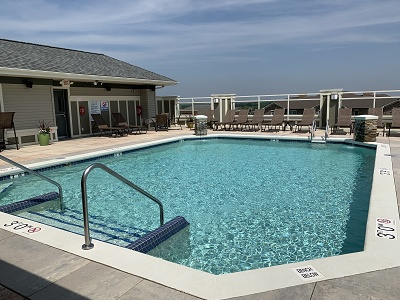 Aspen Ridge - Rooftop Swimming Pool with Sundeck