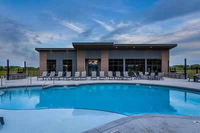 Vista Apartments - Clubhouse & Pool